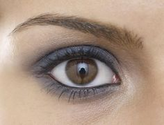 How These Makeup Artist Tricks Can Make You Look Completely Different: Brighten Your Eyes