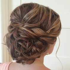 Precioso recogido para #novia o #invitada  #boda #wedding #peinado #recogido  updo wedding hairstyle; via Heather Ferguson