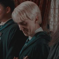 stuff — draco malfoy and hermione granger icons // order. Draco Harry Potter, Mundo Harry Potter, Harry Potter Icons, Harry Potter Characters, Tom Felton, Hogwarts, Alice Miller, Draco Malfoy Aesthetic, Slytherin Aesthetic