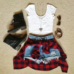 """Teen Fashion is being dominated by """"old"""" styles like this grungy outfit complete with the red flannel and combat boots. - May 04 2019 at Lila Outfits, Hipster Outfits, Edgy Outfits, Outfits For Teens, Summer Outfits, Hipster Clothing, Grunge Outfits, Summer Shoes, Nerd Outfits"""