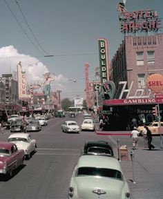 Vintage Las Vegas — Downtown Las Vegas, July Photo by Gene. - Aesthetic , aesthetic retro Vintage Las Vegas — Downtown Las Vegas, July Photo by Gene.