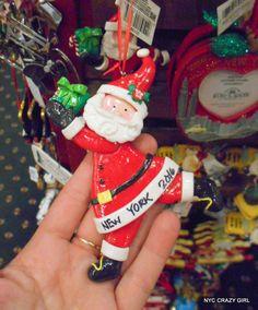 christmas cottage new york New York Shopping, Ville New York, Crazy Girls, Elf On The Shelf, Nyc, Cottage, Christmas Ornaments, Holiday Decor, New York City Shopping