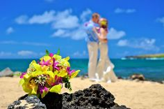 Kauai Island Weddings: The most colorful wedding pictures are taken at lunch time using a polarizing filter. Like it?
