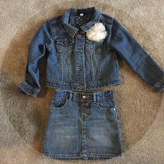 OshKosh Denim Skirt & Jacket OshKosh Denim Skirt & Jacket, buttoned jacket & skirt, with flower detail, in great condition💕😌 OshKosh Jackets & Coats