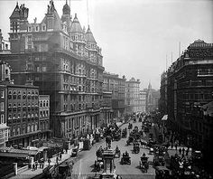 A London Tourist Guide. You Don't Need A Travel Agent To Pick A Great London Hotel. A great hotel turns your vacation into a fantasy. Victorian London, Vintage London, Old London, Victorian Era, London 1800, London Hotels, London Pubs, Old Pictures, Old Photos