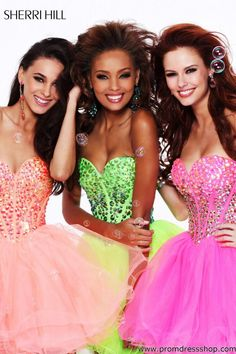 Sherri Hill dresses are designer gowns for television and film stars. Find out why her prom dresses and couture dresses are the choice of young Hollywood. Strapless Prom Dresses, Dressy Dresses, Dresses For Teens, Homecoming Dresses, Bridal Dresses, Cute Dresses, Party Dresses, Dress Party, Homecoming 2014