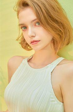 Pretty Redhead, Teen Girl Poses, Model Face, Beautiful Girl Image, Girl Model, Girl Face, Pretty Face, Redheads, Beauty Women