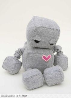 Süße Idee für ein selbst genähtes Kuscheltier oder Spielzeug. süßer Roboter