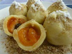 Zemiakové gule s marhuľami a orechmi