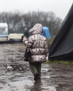 Life_in_the_jungle_no_tittle #dontbombsyria #refugeeswelcome #hwar #refugee #syrian #migrants #refugeecrisis #welcome #children #syrianrefugees  #iraq #asylumseekers #noborders #repost  #flüchtlinge #aylankurdi  #freedom #crisis  #unhcr #world #picoftheday #nooneisillegal #refuge #migration #kurdistan #volunteer #junglecampe