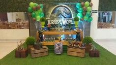 Know together with me the best ideas to organize a jurassic world party, one of the most emblematic topics at the moment since a super successful sequel Birthday Party At Park, 6th Birthday Parties, Birthday Party Decorations, 8th Birthday, Dinosaur Birthday Cakes, Dinosaur Party, Festa Jurassic Park, Party Printables, Jurassic World