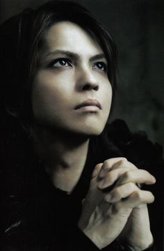 Find images and videos about hyde, vamps and l'arc-en-ciel on We Heart It - the app to get lost in what you love. Beautiful Men, Beautiful People, Gorgeous Gorgeous, Dir En Grey, Gackt, Flower Boys, Visual Kei, To My Future Husband, Music Bands