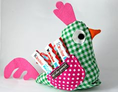 Advent wreath to goAdvent wreath to go with Stampin up productsOlivia Twist - Sewing Instructions: Sew Easter Chicken by Yourself - Instructions for .Olivia Twist - Sewing instructions: Sew Easter chicken yourself - Instructions for Diy Easter Toys, Diy Easter Cards, Easter Art, Diy Easter Decorations, Easter Crafts, Easter Pillows, Diy Gifts For Kids, How To Make Wreaths, Chicken Wings