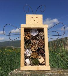 Hôtel à insectes du Verger Fleury! #bricolage #enfant www.toutpetitrien.ch - fleurysylvie