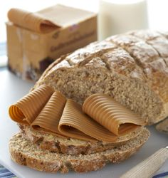 brunost <3  This is so yummy.  I have found it here in USA but our bread does not compare ...