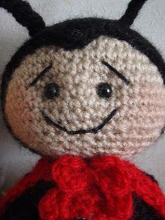Amigurumis Modèles Décorations Animaux... Minion Crochet, Pocket Pal, Ladybug, Beanie, Knitting, Pets, Disney, Sons, Templates Free