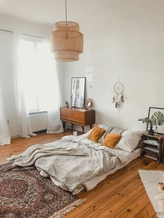 54 Modern Bedroom Design Trends and Ideas in 2019 Part bedroom ideas; bedroom ideas for small room; Room Ideas Bedroom, Small Room Bedroom, Bedroom Inspo, Home Bedroom, Bedroom Decor, Master Bedroom, Small Rooms, Dream Bedroom, Bedroom Wall