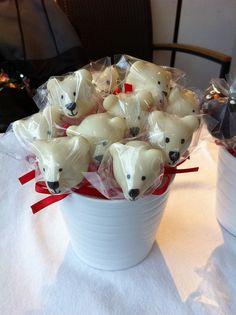 polar bear theme for christmas ideas Christmas Cake Pops, Tacky Christmas, Christmas Goodies, Holiday Baking, Christmas Baking, Holiday Treats, Christmas Treats, Celebration Cakes, Birthday Celebration