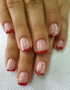 Red christmas – Beauty & Seem Beautiful Fancy Nails, Pink Nails, Cute Nails, Pretty Nails, Manicure Nail Designs, Manicure And Pedicure, Nail Art Designs, Fingernails Painted, French Tip Nails