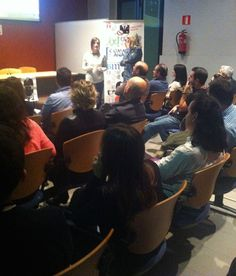 Somosbase.com http://www.tintavisual.com/3-suits-asturias-networking-del-bueno/