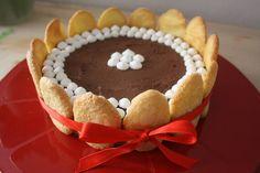 Charlotte al cioccolato fondente. Una torta che è un regalo. Per un'occasione speciale ma anche per coccolarsi un po'