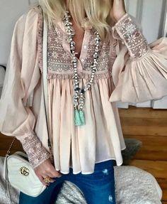 """Polubienia: 3,044, komentarze: 12 – @fashionstyles4love na Instagramie: """"Beautiful @annamavridis ❤️ for shopping link in my bio 👆 @fashionstyles2me ❤️ @fashionstyles2you 💋…"""""""