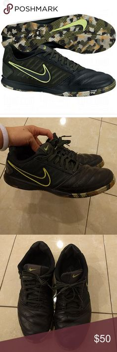 Nike gato 2 indoor soccer shoes sneakers Gently worn shoes... Worn maybe 15 times....  Men's 6.5 but fits. 7.5 in women's  Only flaw is the right shoe has done thread coming out.  Offers accepted!!! Nike Shoes