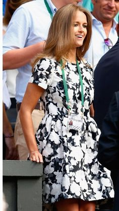 Kim Murray at Wimbledon. Kim Murray, Tennis Photos, Floral Lace Dress, Women's Summer Fashion, Celebrity Style, Nice Dresses, Summer Outfits, Street Style, Wimbledon 2015