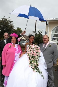 and George, both English Romany Gypsies are getting married in Wickford, Essex My Big Fat Gypsy Wedding, Gipsy Wedding, Wedding Fans, Wedding Styles, Sondra Celli, Got Married, Getting Married, Gypsy Girls, Wild Fashion