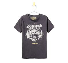 If your girl doesn't like the shiny gold stars on Zara's girls tiger t-shirt, check out this version in their boys department. Sizes 2-14.