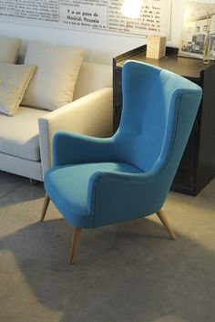 51 Amazingly Comfortable Lounge Chairs 51 Amazingly Comfortable Lounge Chairs - The Architects Diary Furniture Styles, Sofa Furniture, Sofa Chair, Furniture Design, Black Dining Room Chairs, Living Room Chairs, Living Room Decor, Living Room Sofa Design, Lounge Chair Design