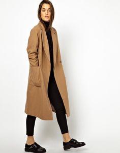 Manteau Camel // Asos// Camel coat, black turtle neck, black trousers, and black oxfords