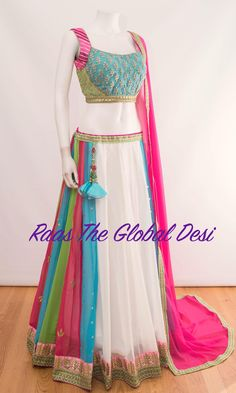 Party Wear Indian Dresses, Designer Party Wear Dresses, Indian Bridal Outfits, Indian Gowns Dresses, Indian Fashion Dresses, Dress Indian Style, Indian Designer Outfits, Indian Gown Design, Pakistani Clothing