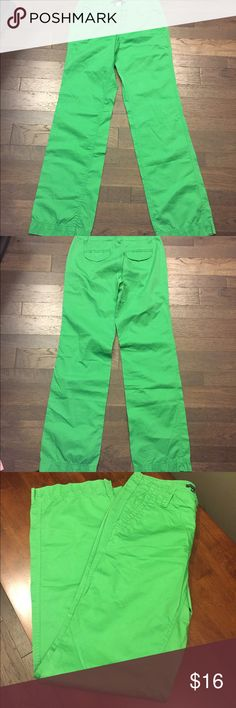 Gap Green Straight Khaki Pants Sz 0 🌸🌸 Great condition! Thank you for looking! GAP Pants Straight Leg