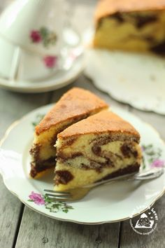 I love butter cake, especially love it when mix with some chocolate, like this marble butter cake. I have a habit to enjoy butter cake for. Marble Cake Recipe Moist, Marble Cake Recipes, Pound Cake Recipes, Cupcake Recipes, Baking Recipes, Cupcake Cakes, Dessert Recipes, Pound Cakes, Cupcakes
