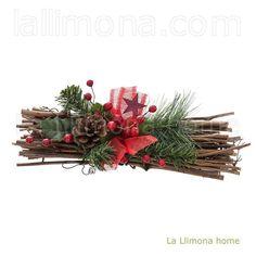 Navidad. Centro navidad troncos hojas verdes