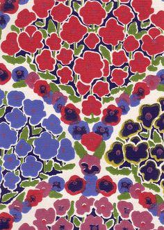 Ritva Kronlund: Orvokkiviuhka -tapetti sopii erinomaisesti Norma Heimolan Onnelliset tyynyn kanssa Norman, Magenta, Pattern Design, The Past, Presents, Kids Rugs, Colours, Texture, My Style
