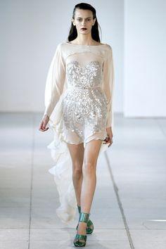 #abitodasposa non convenzionale.. osereste tanto? Antonio Berardi - wedding dress / wedding reharsal dinner