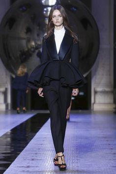 Dice Kayek Couture Fall Winter 2015 Paris - NOWFASHION