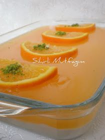 MALZEMELER: 1 litre süt 1 su bardağı un 125 gram margarin su bardağı t… INGREDIENTS: 1 liter of milk 1 cup of flour 125 grams of margarine cups of granulated sugar 1 pack of vanilla 2 drops of gum inside Pelte: 2 s … Jello Recipes, Cake Recipes, Dessert Recipes, Turkish Recipes, Cute Food, Food Design, No Cook Meals, Easy Desserts, Food And Drink