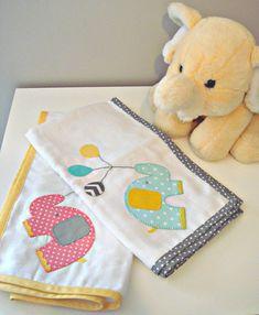 Fralda Bordada à mão para bebé  Elefante com balões