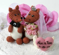Fox wedding cake topper personalized with heart by PerlillaPets