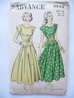 1940s Advance 4842 Dress Sewing Pattern Sz 18 Scalloped Neckline Unprinted #Advance #Midcalf