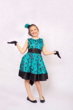 Check Out The Cutest Ankara Dresses For Kids - AfroCosmopolitan : Check out the cutest ankara dresses for kids. These African print dresses for little girls with give you great ideas on making ankara print dresses for your girls. African Dresses For Kids, Latest African Fashion Dresses, African Print Dresses, African Print Fashion, African Attire, African Wear, Little Girl Dresses, Girls Dresses, Ankara Dress