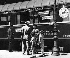 Crossing Europe on the Orient Express By Train, Train Tracks, Venice Simplon Orient Express, Lulu Fashion, History Of Photography, Vintage Photography, Old Trains, Agatha Christie, Train