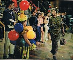 """""""Sing out, Louise!"""": """"Gypsy"""" Filmed Triumphantly in 1962 by Mervyn LeRoy, with Roz Russell as Rose"""