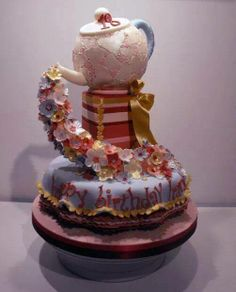 How gorgeous is this birthday cake?
