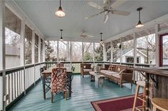 love this screened in porch!