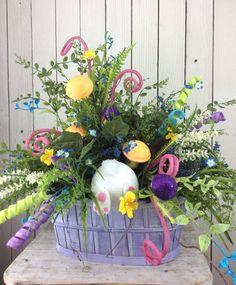 Easter Centerpiece Easter floral arrangement Easter by Keleas