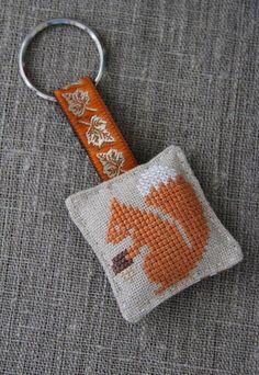 Cross-stitched linen key ring (squirrel, orange) - gift, keychain - by Plushka on madeit
